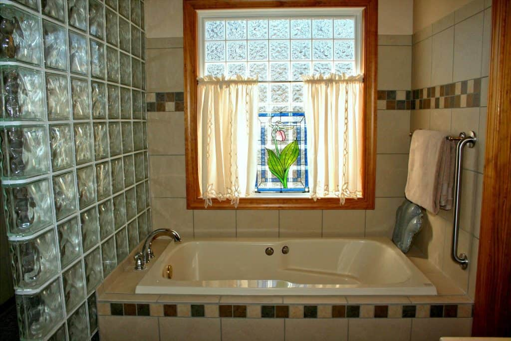 glas tiles bath tub what bathroom tile is easiest to clean