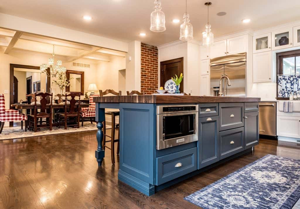 do kitchen islands add value cost resale house
