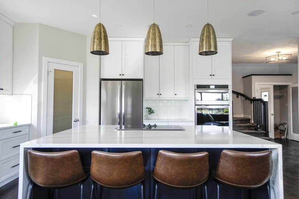 do kitchens and bathrooms need to match countertop