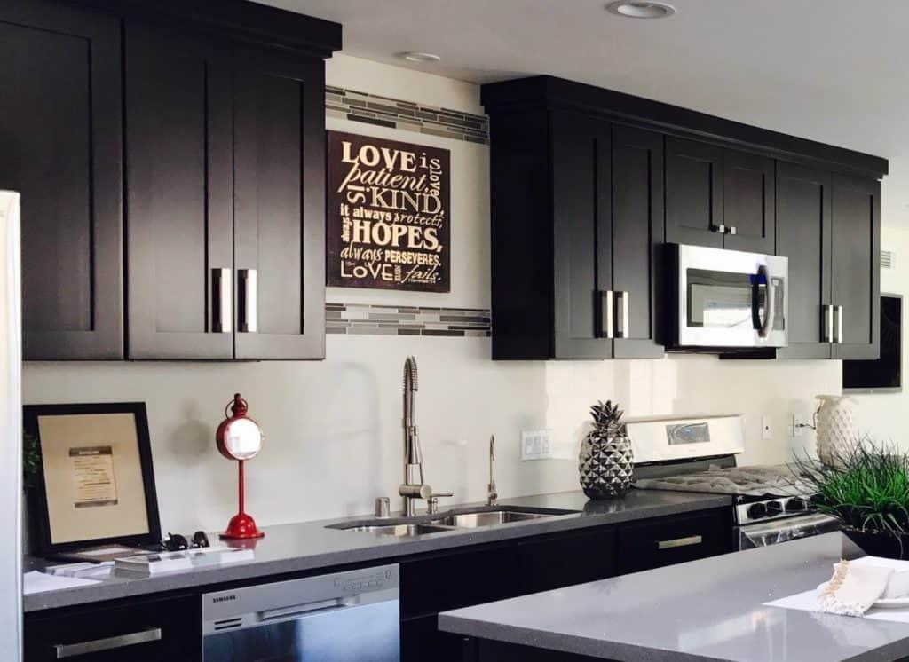 Do Black Kitchen Cabinets Show Dirt