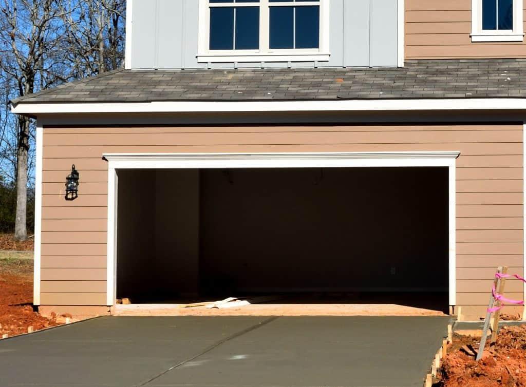 Do Garage Floors Need to Be Sealed?