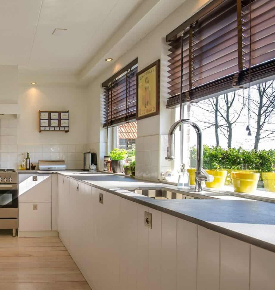 what are kitchen window treatments