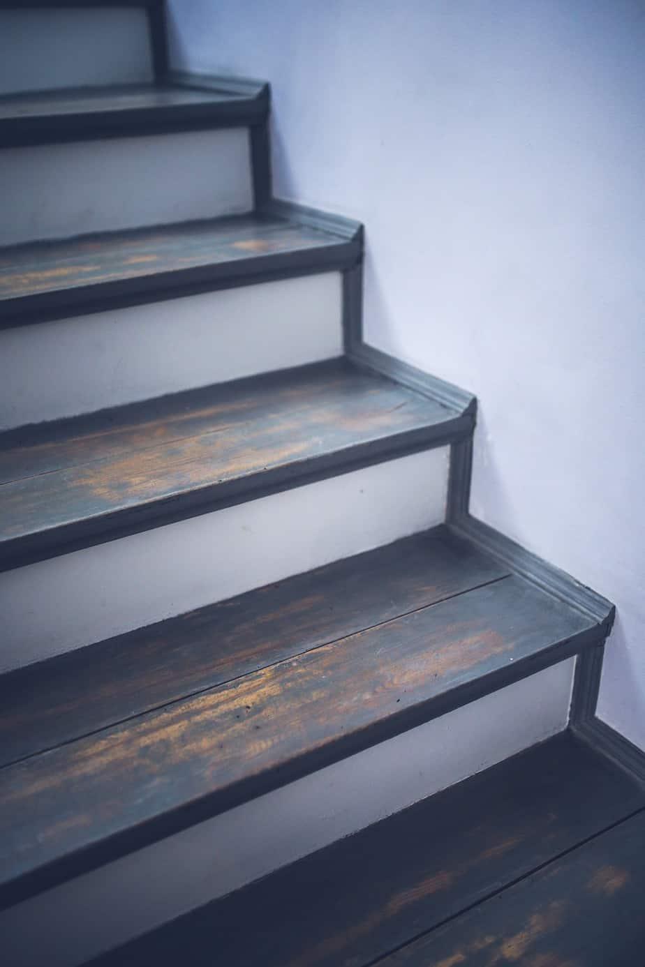 Vinyl Flooring Be Installed On Stairs