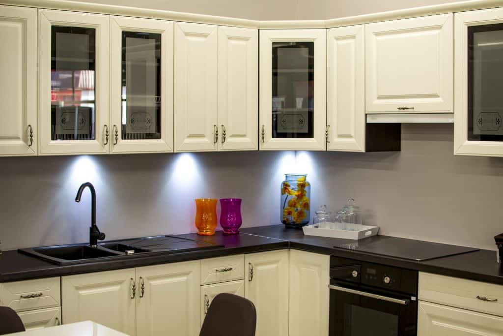 do kitchen cabinets need to acclimate cracking swelling humidity