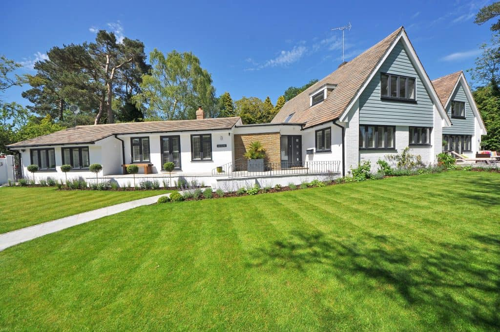 can landscaping increase home value