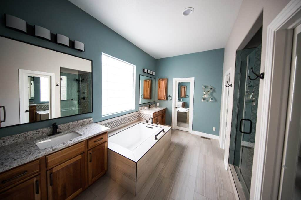 things to do when remodeling a bathroom