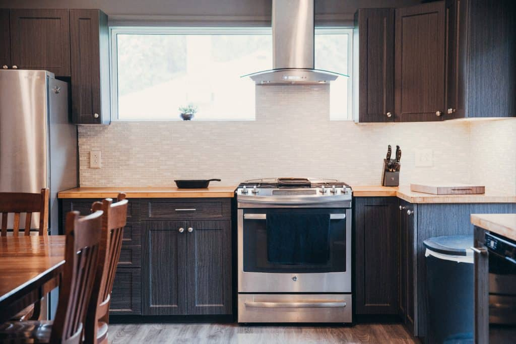 Do Kitchen Cabinets Need to be Symmetrical